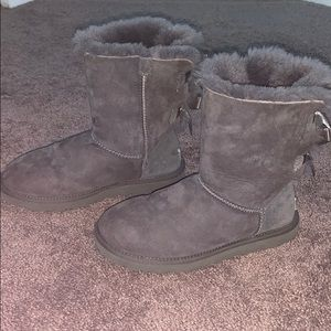 women's grey ugg's with bows